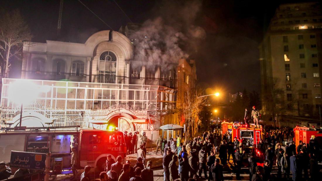 بالفيديو.. هتافات ضد السعودية في طهران والرياض تحشد الدول العربية إلى جانبها.. وأمريكا تتفرج