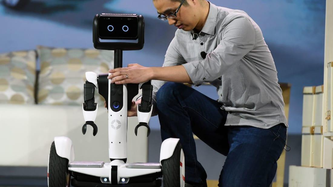 روبوت جديد يوصل مشترياتك من المتاجر إلى باب منزلك.. والخدمة التجريبية تبدأ في 2016
