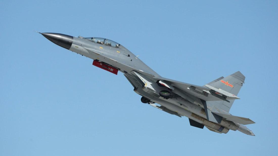 عدسة CNN تشهد مواجهة في الأجواء.. الصين تطرد طائرة أمريكية اكتشفت جزيرة عسكرية