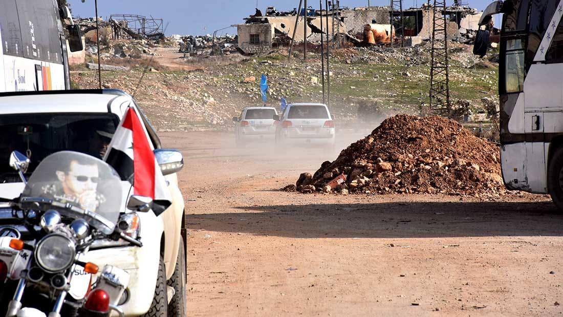 """النظام السوري يتهم """"النصرة"""" و""""أحرار الشام"""" بإحراق حافلات إجلاء النازحين من الفوعة وكفريا"""