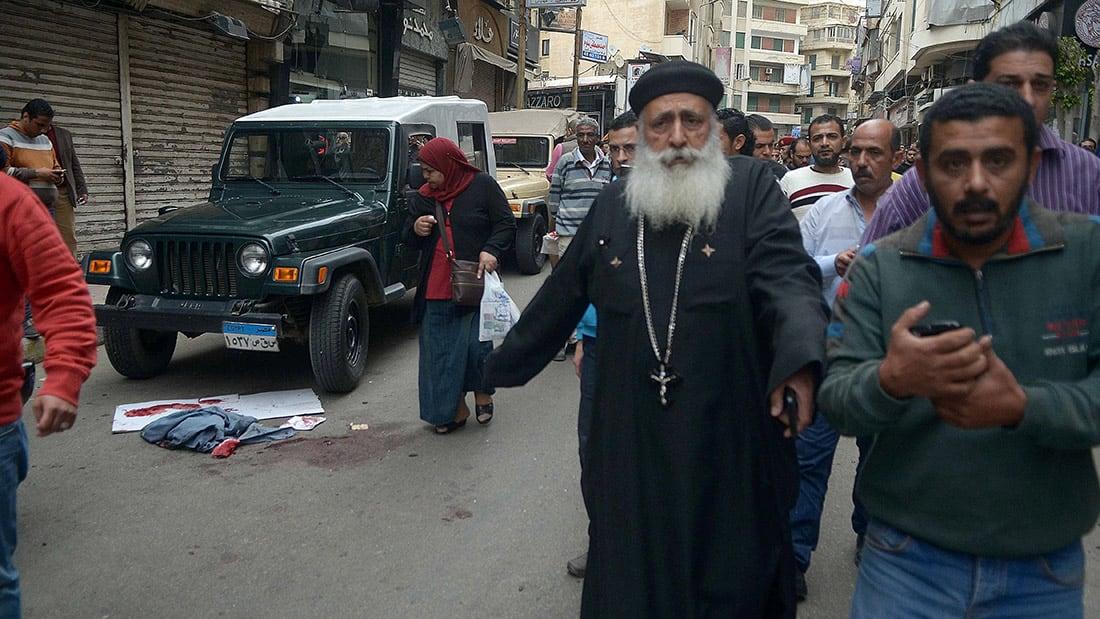 شاهد.. حزن وألم بعد تفجير كنيسة مارمرقس بالإسكندرية