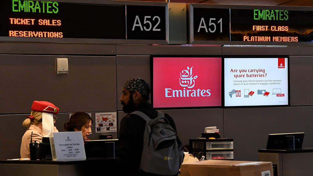 رئيس طيران الإمارات لـCNN عن حظر الإلكترونيات: أخشى من تأثير العدوى