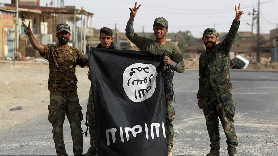 آخر الهاربين من الرقة.. النجاة من داعش تضعهم في قفص الاشتباه