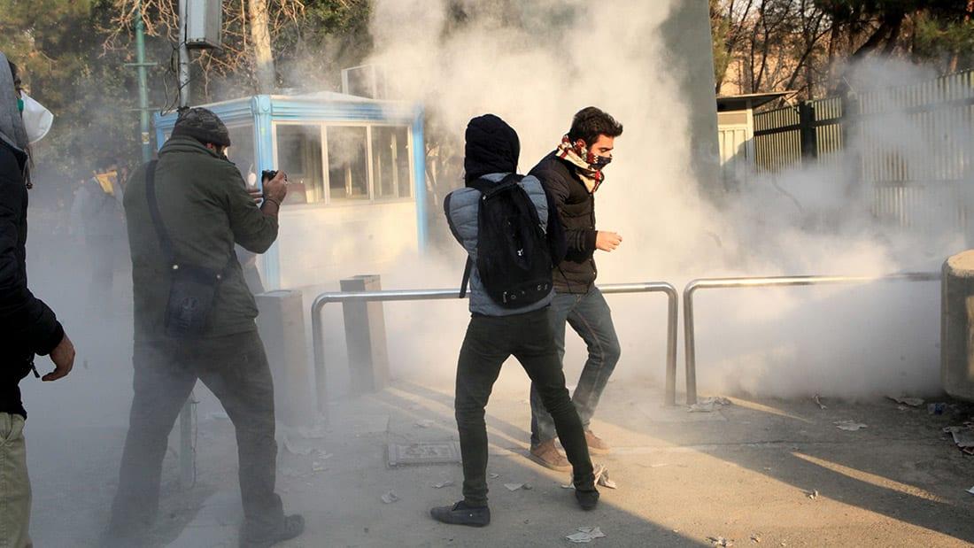نجل شاه إيران: نظام طهران موجود لدعم ميليشياته من ثروة البلاد
