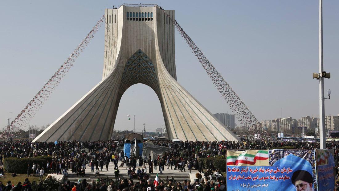 بين تعاطف روحاني ومزاعم المسؤولين بتدخل أمريكا.. ماذا ينتظر إيران؟