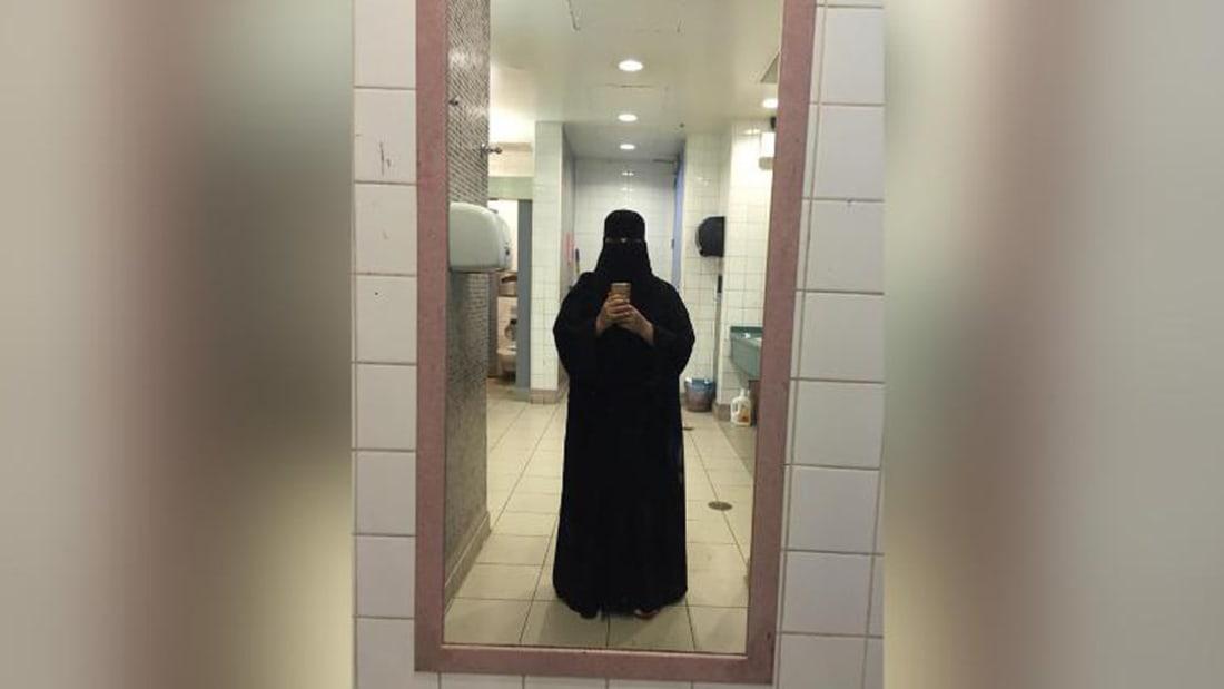 شقيقتان سعوديتان تخاطران بكل شيء للهروب من الاضطهاد