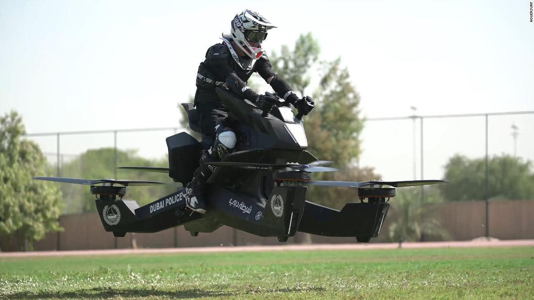 في سماء المدينة قريباً.. أحدث نسخة من دراجة شرطة دبي الطائرة