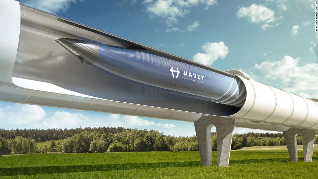"""هكذا """"تسابق"""" دبي لبناء أول هايبرلوب في العالم"""