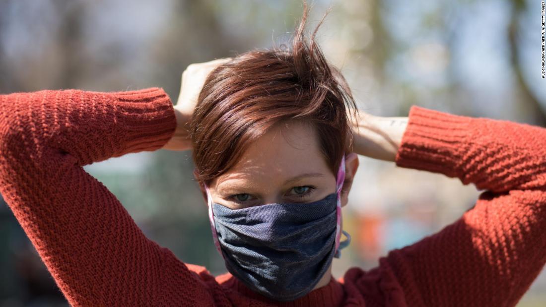 أطباء يحذرون من أن فيروس كورونا ينتشر بسهولة أكبر مما كان يعتقد في البداية