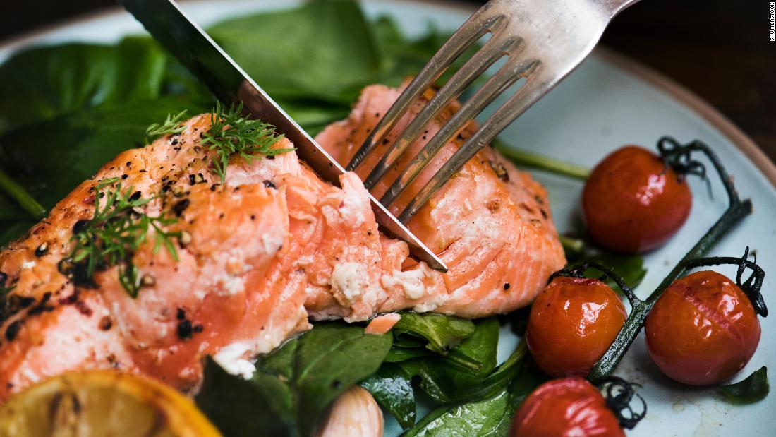 تقلل من خطر العديد من الأمراض.. إليك فوائد تناول السمك