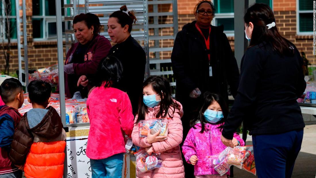 لماذا لا يزال كورونا ينتشر.. CNN تجيب على أسئلة الأطفال حول الفيروس