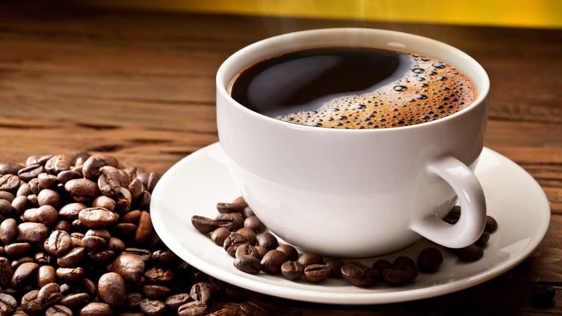 ما هي أفضل طريقة لتحضير القهوة في الصباح حتى تطيل حياتك؟