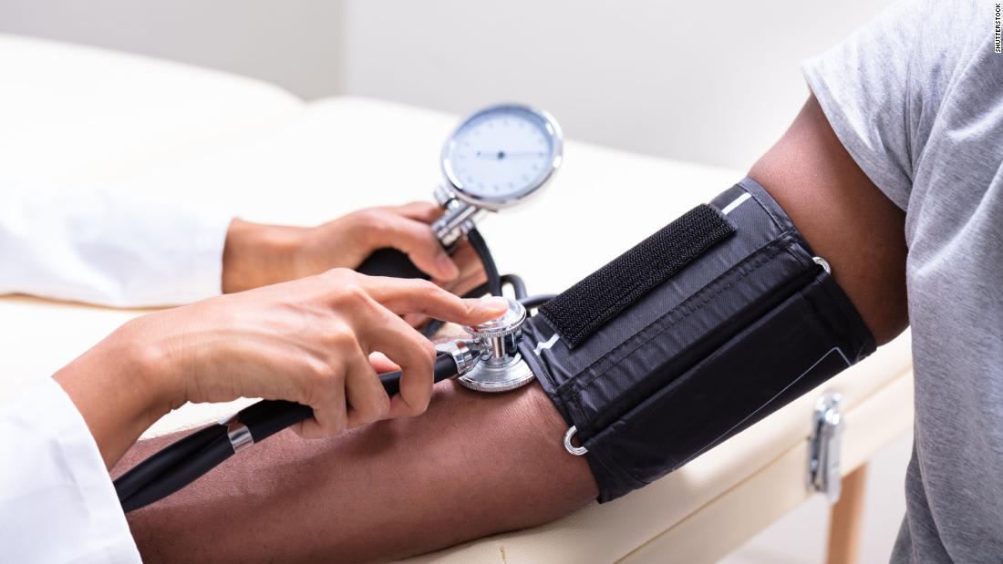 دراسة جديدة: الأشخاص الذين يعانون من ارتفاع ضغط الدم لديهم خطر أكبر للوفاة بسبب فيروس كورونا