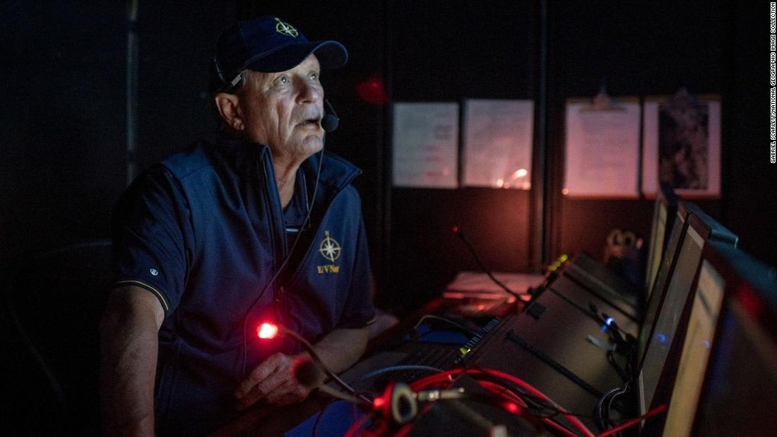 """صور جديدة تكشف تحلل سفينة """"تيتانيك"""" في أعماق البحار"""