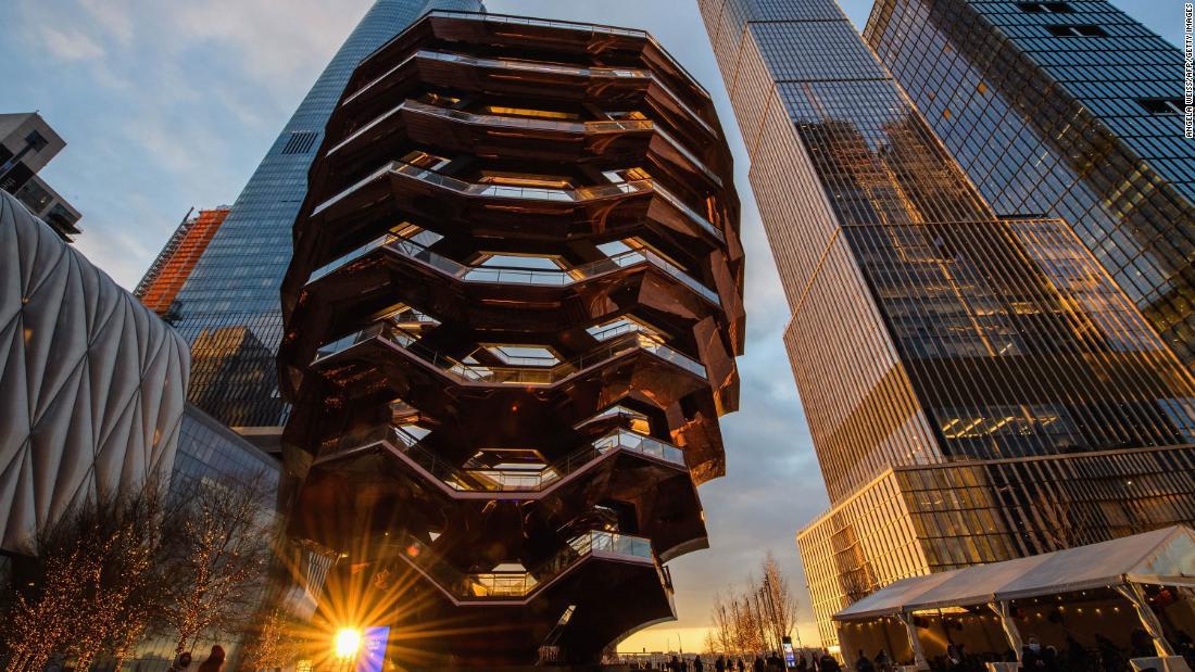 مصعد زجاجي بالكامل يفتتح قريبا في ناطحة سحاب بنيويورك