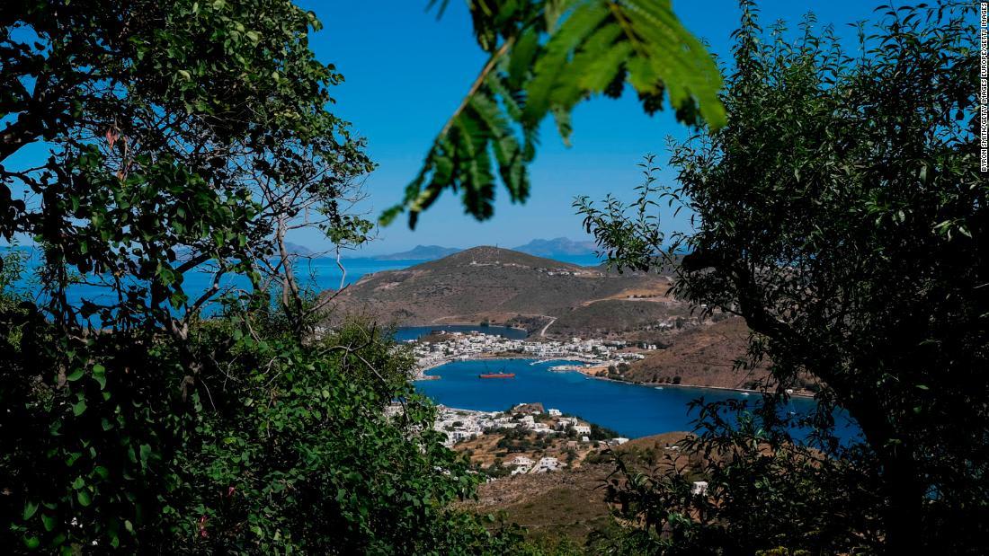اليونان تفتتح جزراً خالية من فيروس كورونا للسياح