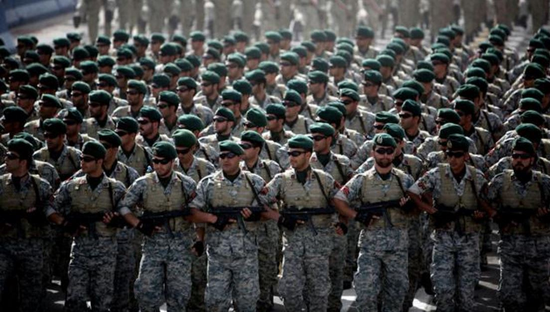 بعد ضبط آلاف الأسلحة يُشتبه إرسالها من إيران إلى اليمن.. طهران تلوّح بالتدخل العسكري لمساعدة الحوثيين ضد التحالف العربي