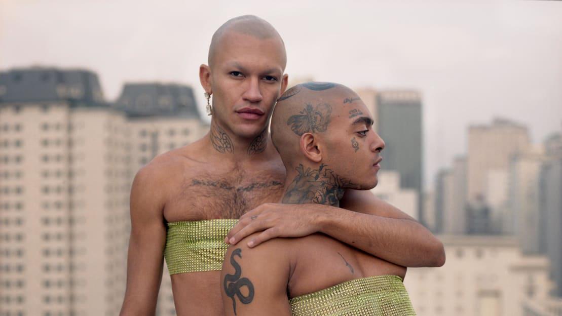 بالصور.. الفوتوغرافي فلوريان جوهان يتحدى الرؤية النمطية للهوية الذكورية
