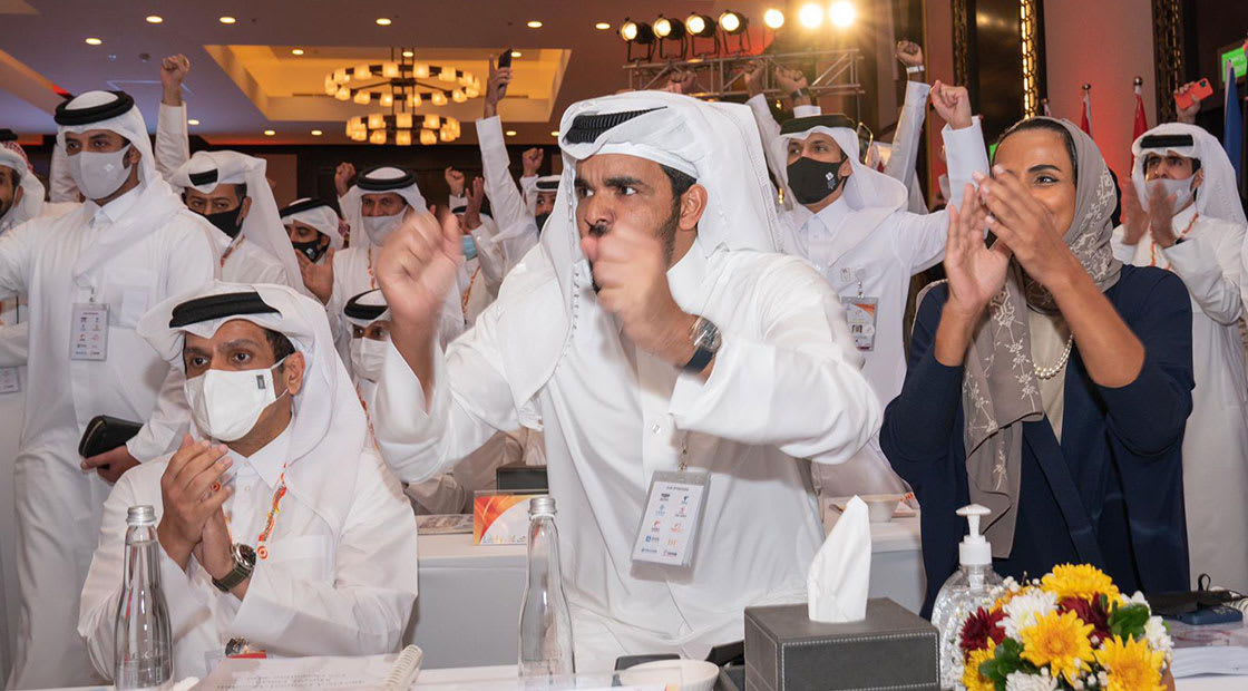 الشيخ جوعان بن حمد لحظة إعلان فوز ملف الدوحة 2030