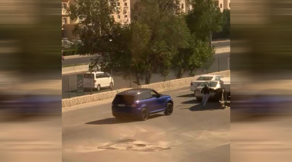 صورة من مقطع الفيديو المتداول نشرته الداخلية الكويتية