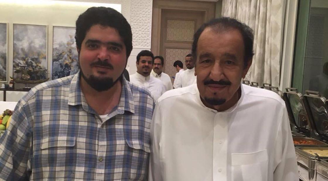 صورة أرشيفية للأمير عبدالعزيز بن فهد (يسار الصورة) مع العاهل السعودي الملك سلمان العام 2016