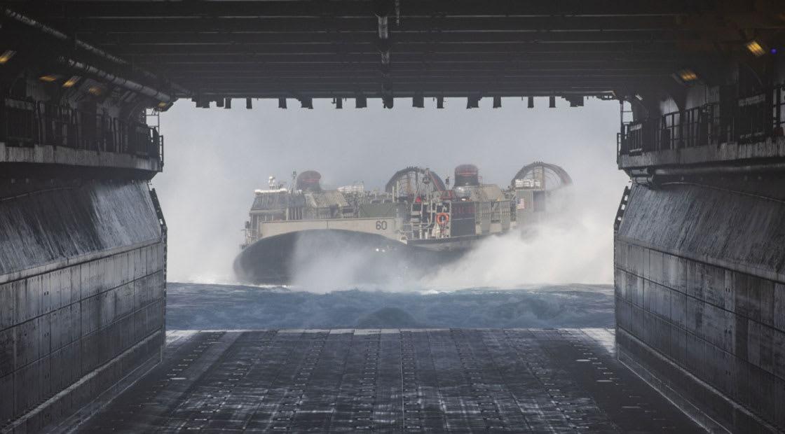 إحدى الصور التي نشرتها القيادة المركزية الأمريكية في البحر الأحمر