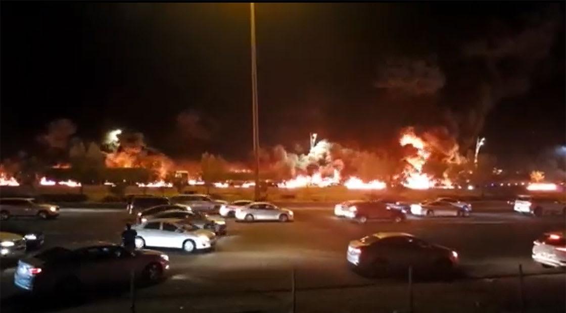 صورة من مقطع الفيديو الذي نشرته إمارة مكة للحريق