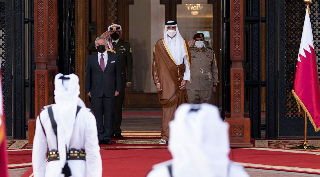 من مراسم اسقبال العاهل الأردني في قطر