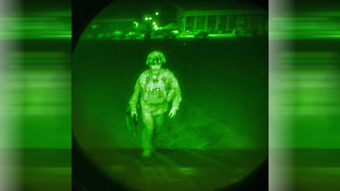 إدارة الرئيس جو بايدن تتعرض لأكبر أزمة في فترة رئاسته بسبب تداعيات عملية الإجلاء في أفغانستان