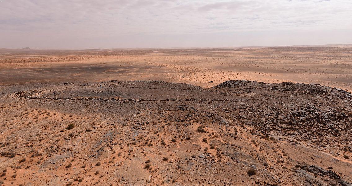 السعودية تعثر على واحدة من أقدم المصائد الحجرية بالعالم بصحراء النفود