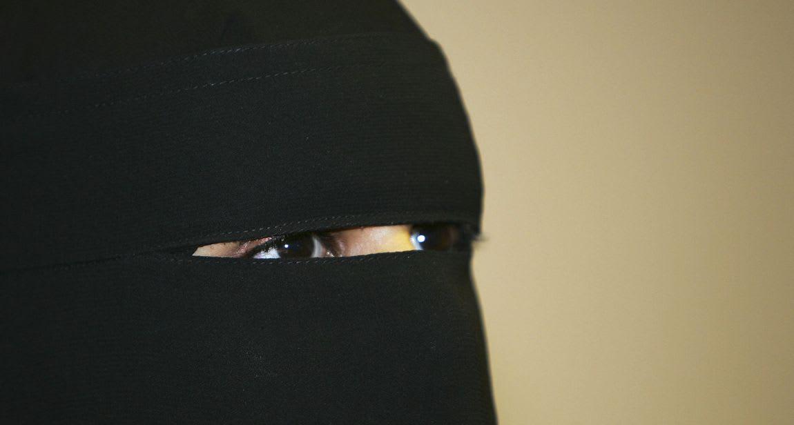 نائب برلماني: مشروع قرار بالجزائر لمنع النقاب داخل المؤسسات التعليمية