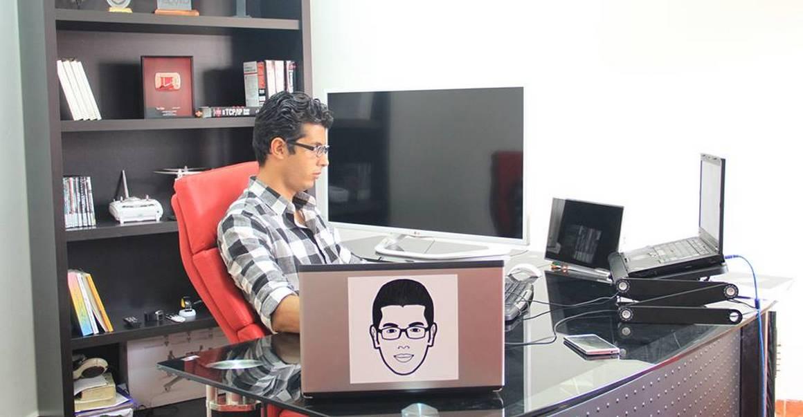 """""""المحترف"""" تصل إلى مليون مشترك وتتزّعم القنوات المغربية والتقنية العربية على اليوتيوب"""