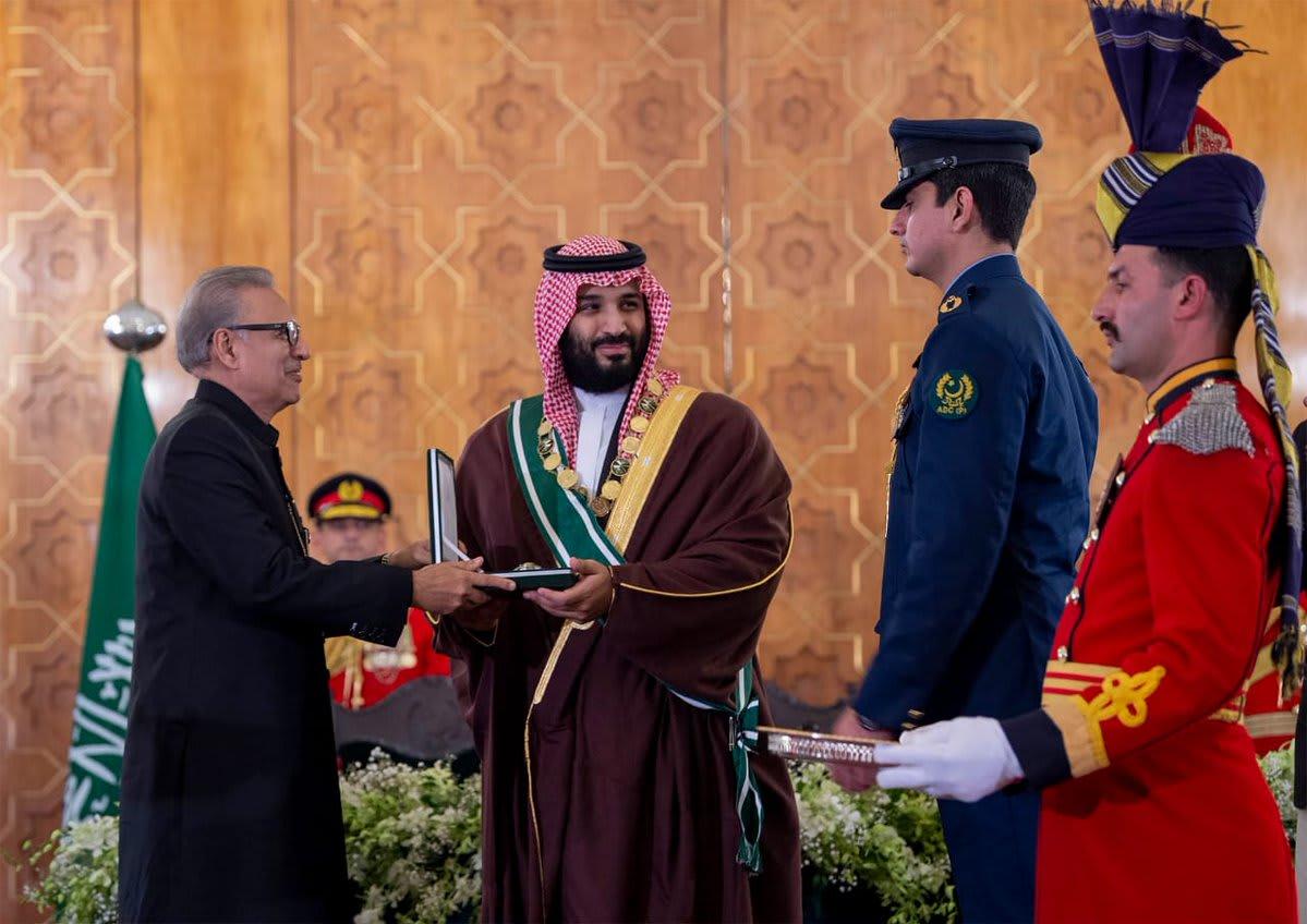 """عما أسفرت الزيارة """"التاريخية"""" لولي العهد السعودي إلى باكستان"""