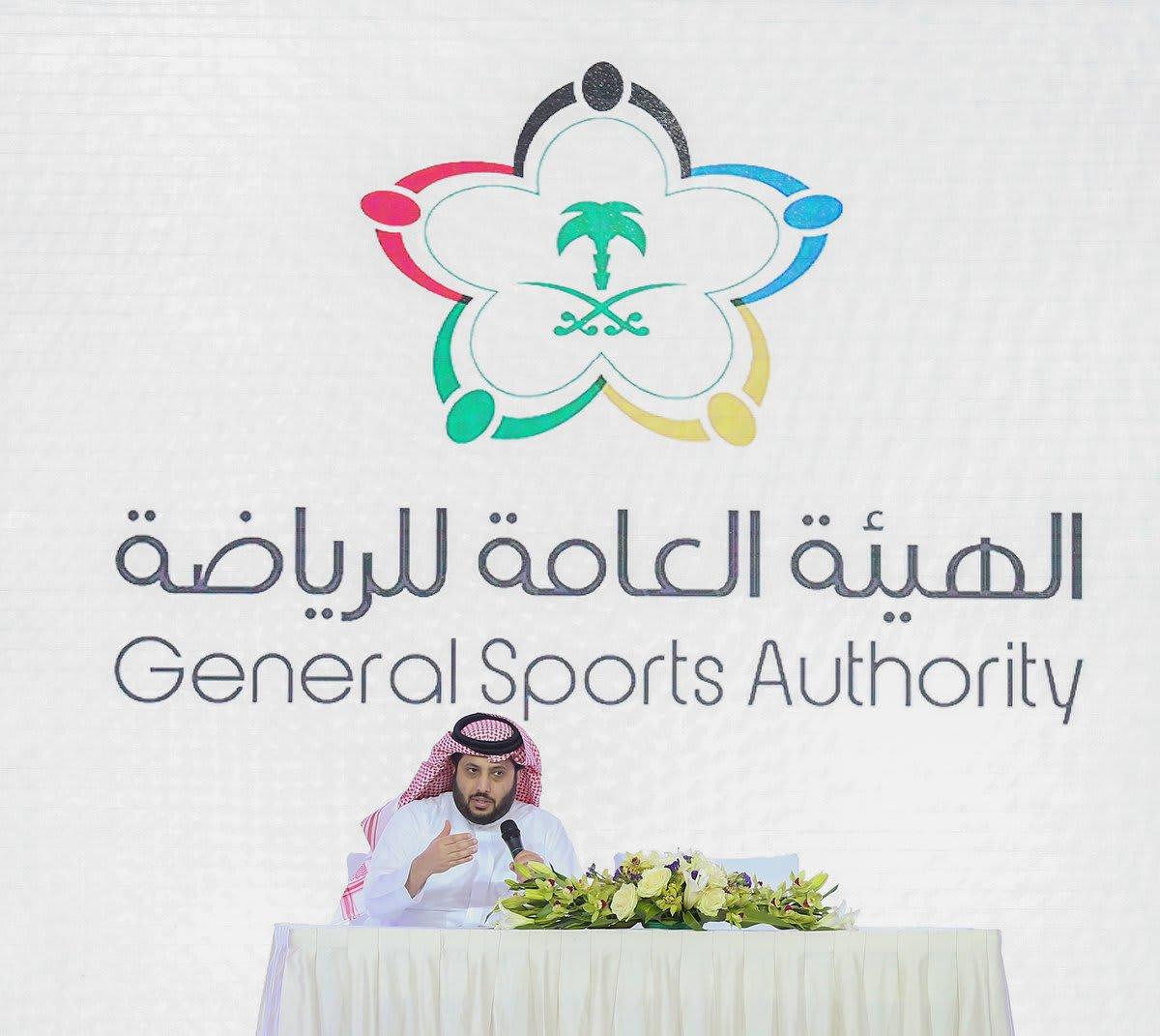 تركي آل الشيخ يهدد مخترقي حساب النادي الأهلي السعودي: لن يمر الأمر مرور الكرام