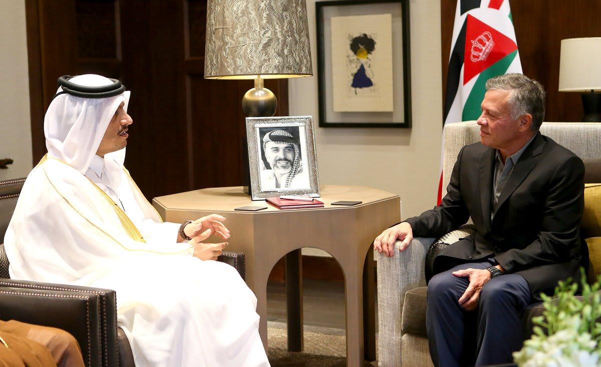 وزير خارجية قطر يلتقي العاهل الأردني ويُبلغه بالحزمة الاقتصادية
