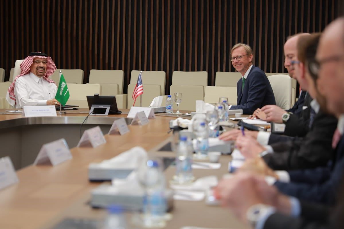 اجتماع أمريكي سعودي لمناقشة سبل الحفاظ على استقرار سوق النفط