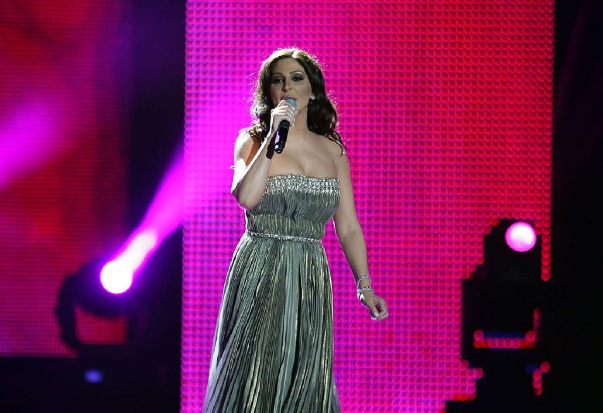 شاهد.. إليسا تحكي تجربة إصابتها بسرطان الثدي في أحدث أغنياتها