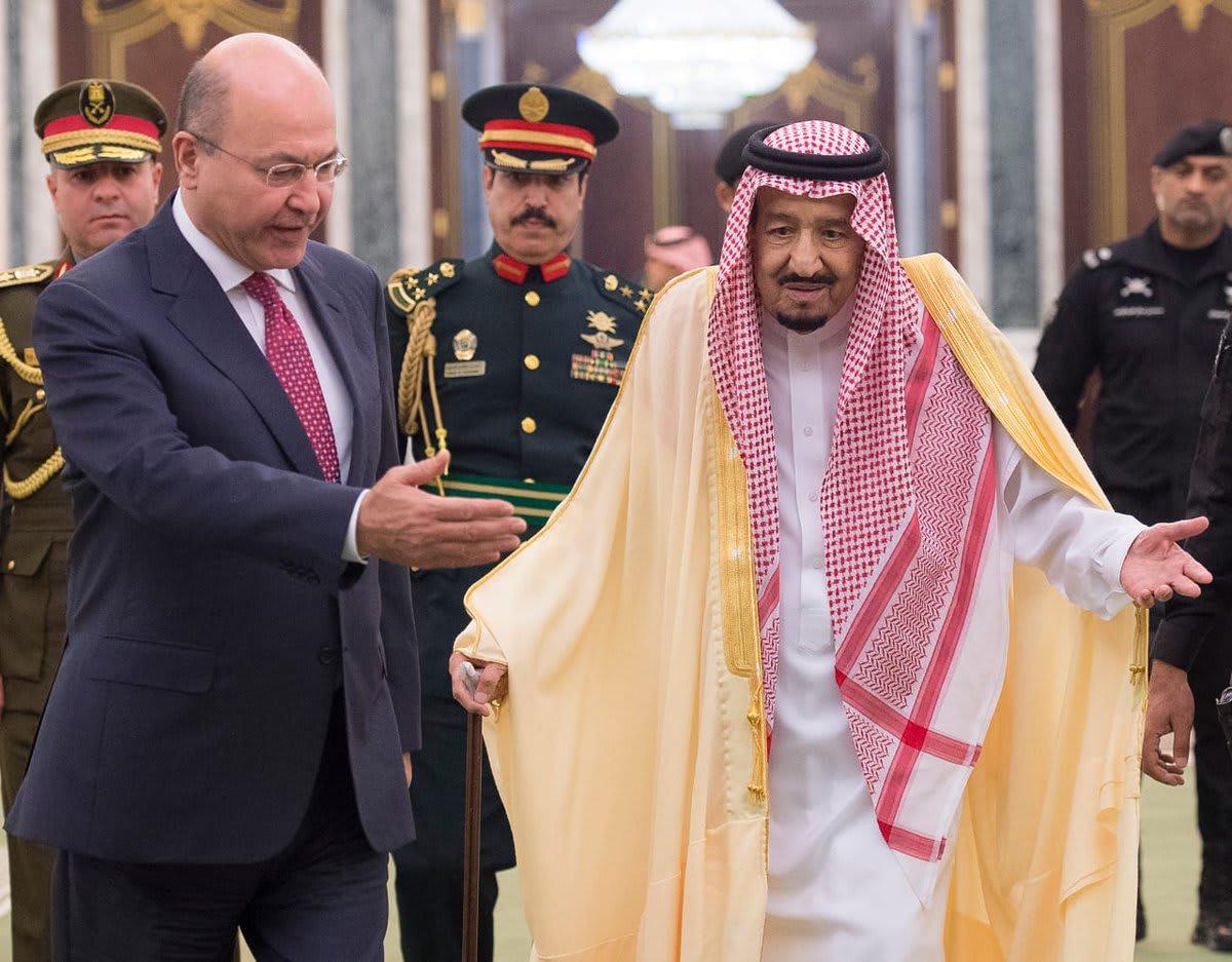 """وصل من طهران إلى الرياض.. رئيس العراق يدعو لإنهاء """"النزاعات العبثية"""""""