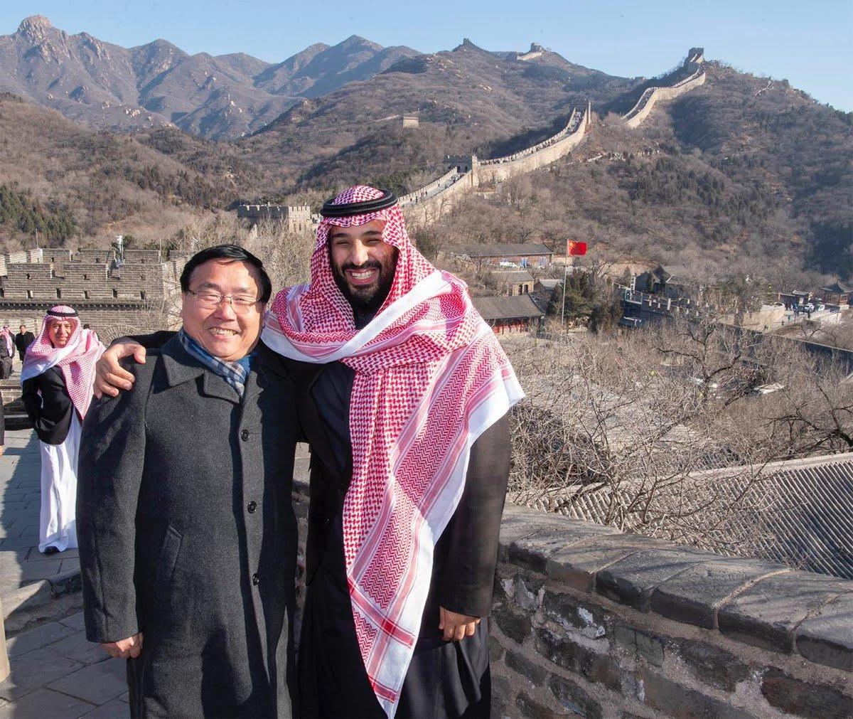 كيف علق مغردون على زيارة محمد بن سلمان إلى سور الصين العظيم؟