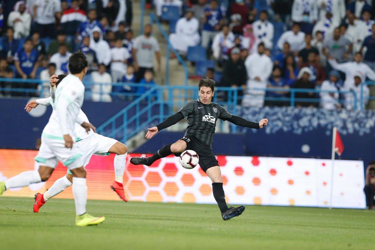 الهلال يحقق فوزا ثمينا على الأهلي في نصف نهائي كأس زايد