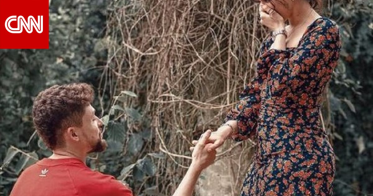 نور عمرو دياب تكشف عن خاتم خطبتها لبريطاني من أصول إفريقية.. ولا تعليق من والديها