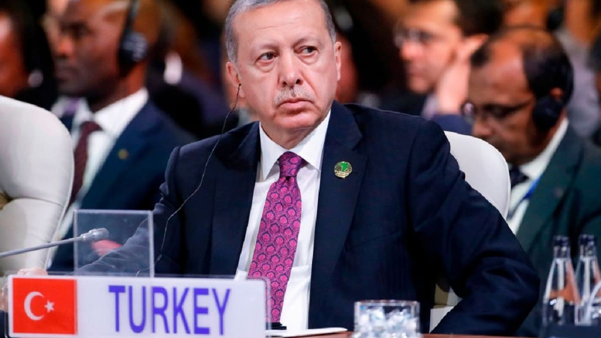 إيران وتركيا تقودان انخفاض الطلب على المجوهرات بالشرق الأوسط