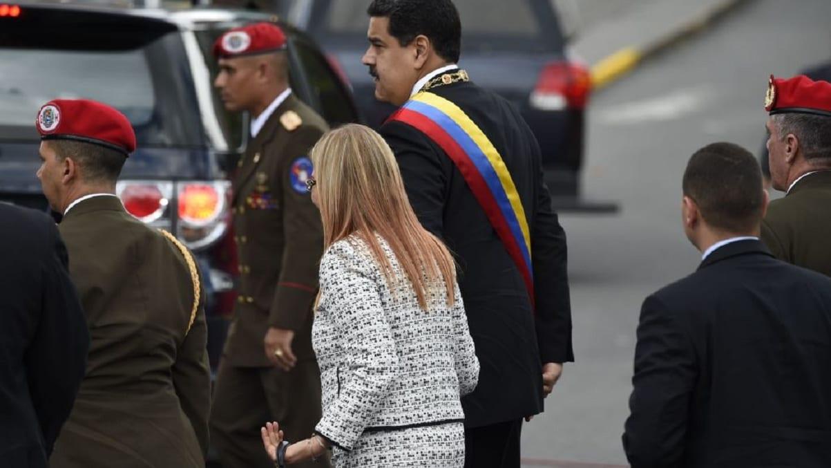 شاهد.. لحظة محاولة اغتيال الرئيس الفنزويلي