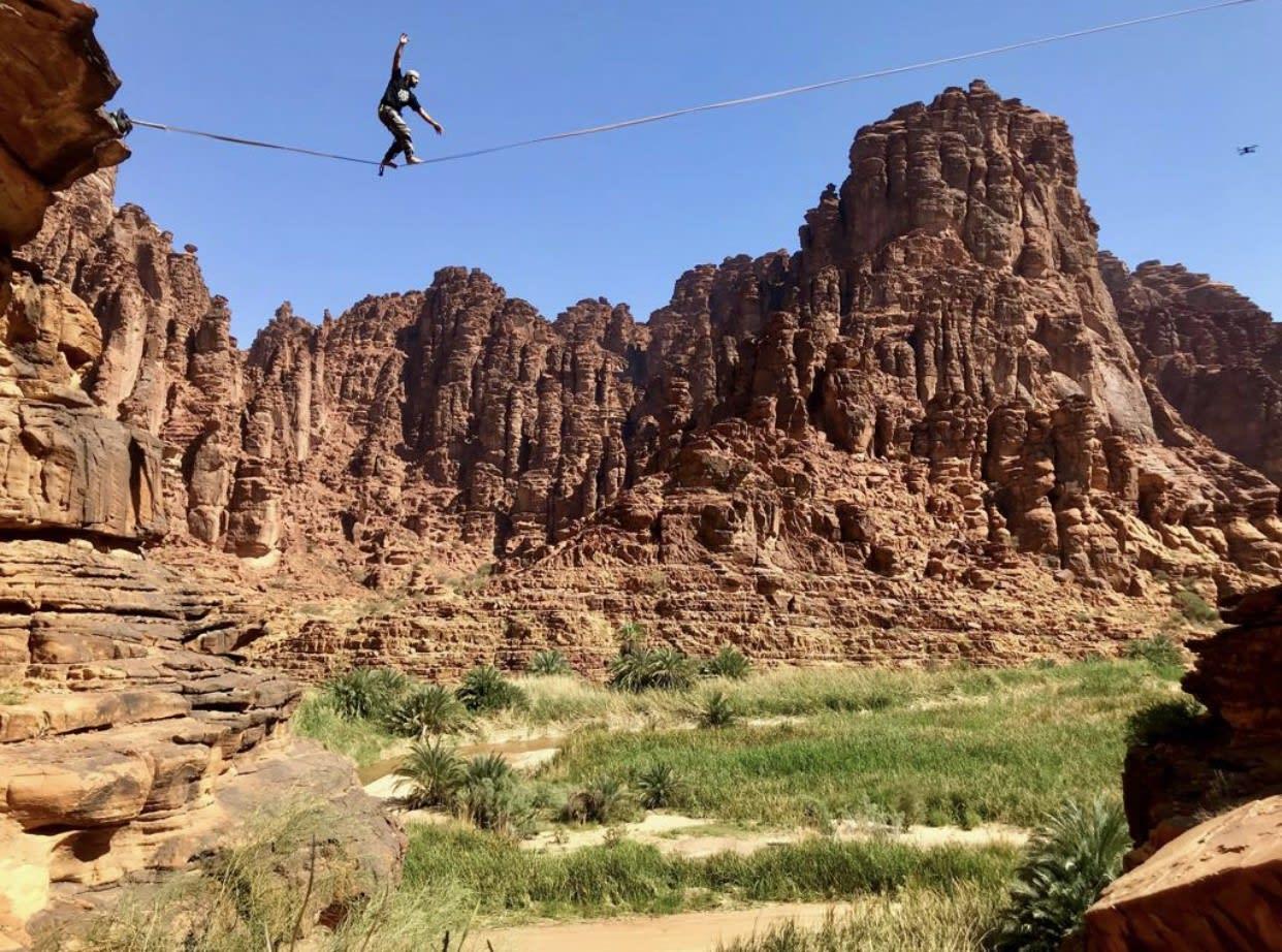 متسلق الجبال رامي الحارثي