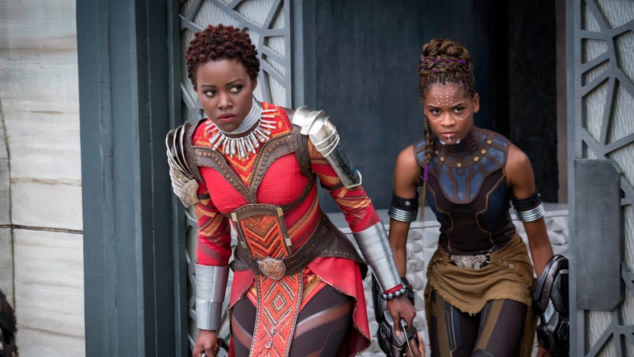 """ما سر تصاميم فيلم """"Black Panther"""" التي حازت مصممته على جائزة أوسكار؟"""