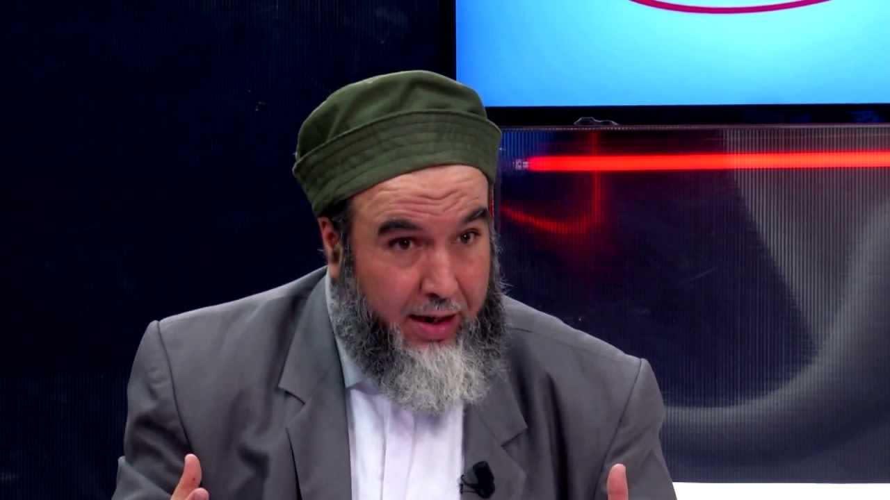 الوطن الجزائرية ترفض الاعتذار عن استضافة قيادي إسلامي انتقد بوتفليقة