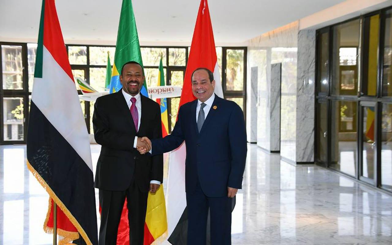 """وسط أزمة سد النهضة.. السيسي يهنئ رئيس وزراء إثيوبيا على """"نوبل"""""""