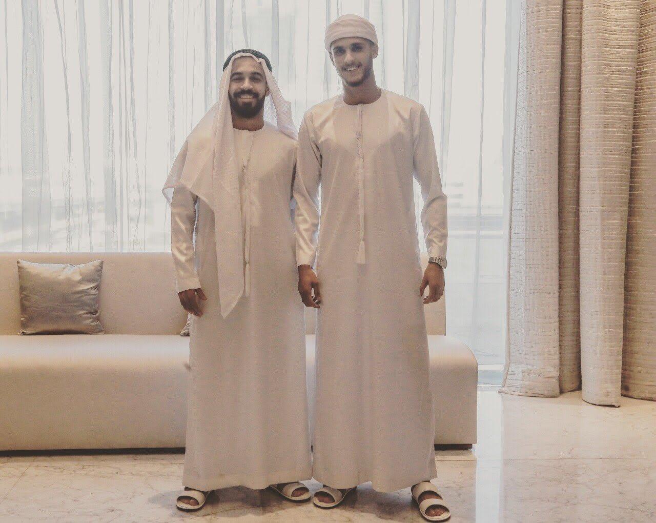 """لاعبو الأهلي المصري يرتدون """"الكندورة"""" الإماراتية: """"نحبكم وايد وايد"""""""