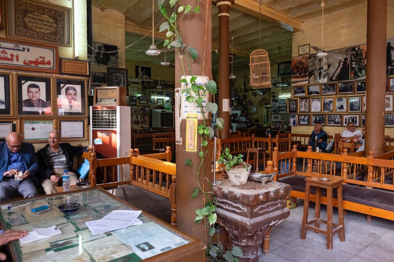 """مقهى """"الشابندر"""" في العراق"""