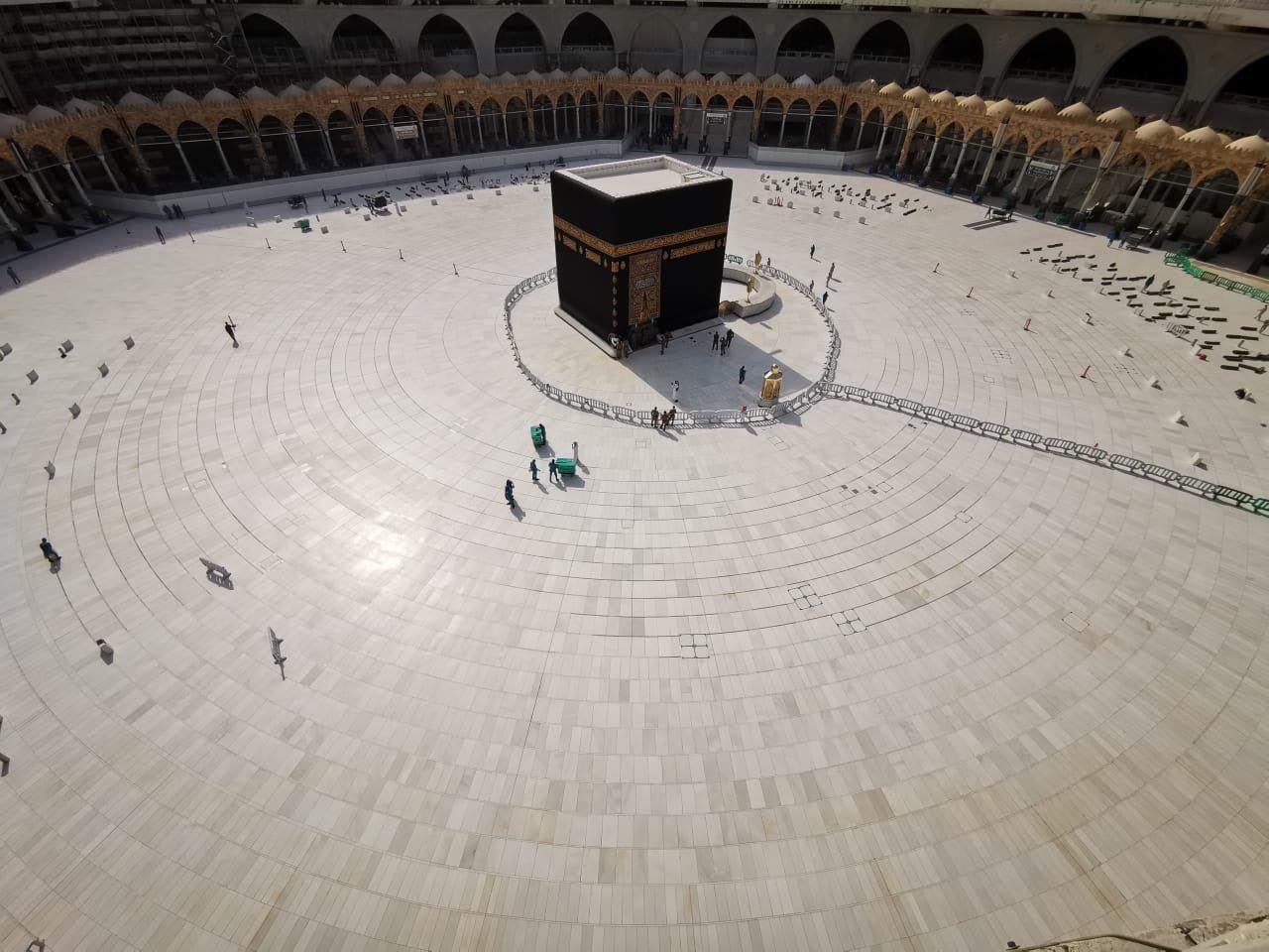 السعودية تقرر إخلاء الحرم المكي لإجراء عمليات التعقيم تحسبا لانتشار فيروس كورونا